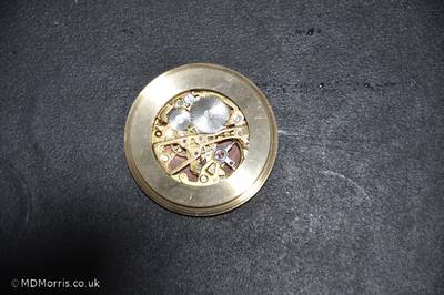 Top view of the movement in place from the back