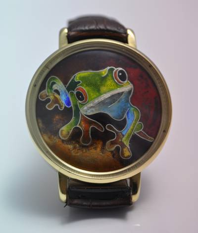 Watch Case with cloisonne frog dial